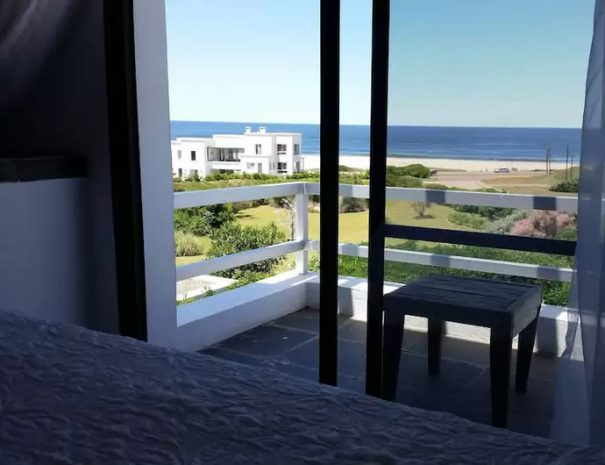 Ocean and Balcony Twin - VISTA 2